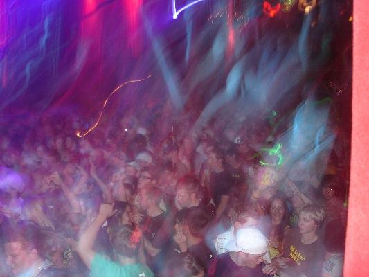 [TND+-+2008-05-23+-+10+Crowd.jpg]