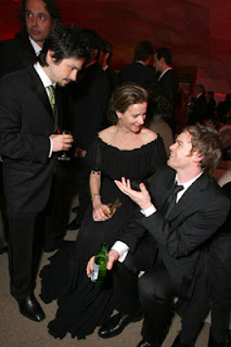 Another Happy Reunion The Six Feet Under Cast Pictured Here Are Freddy Rachel Griffiths And Michael C Hall I Heart Them