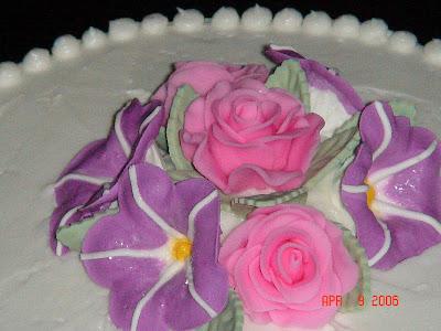 Wilton Cake Decorating Icing Flowers : CAKE ON THE BRAIN: WILTON CAKE DECORATING COURSE AT THE ...