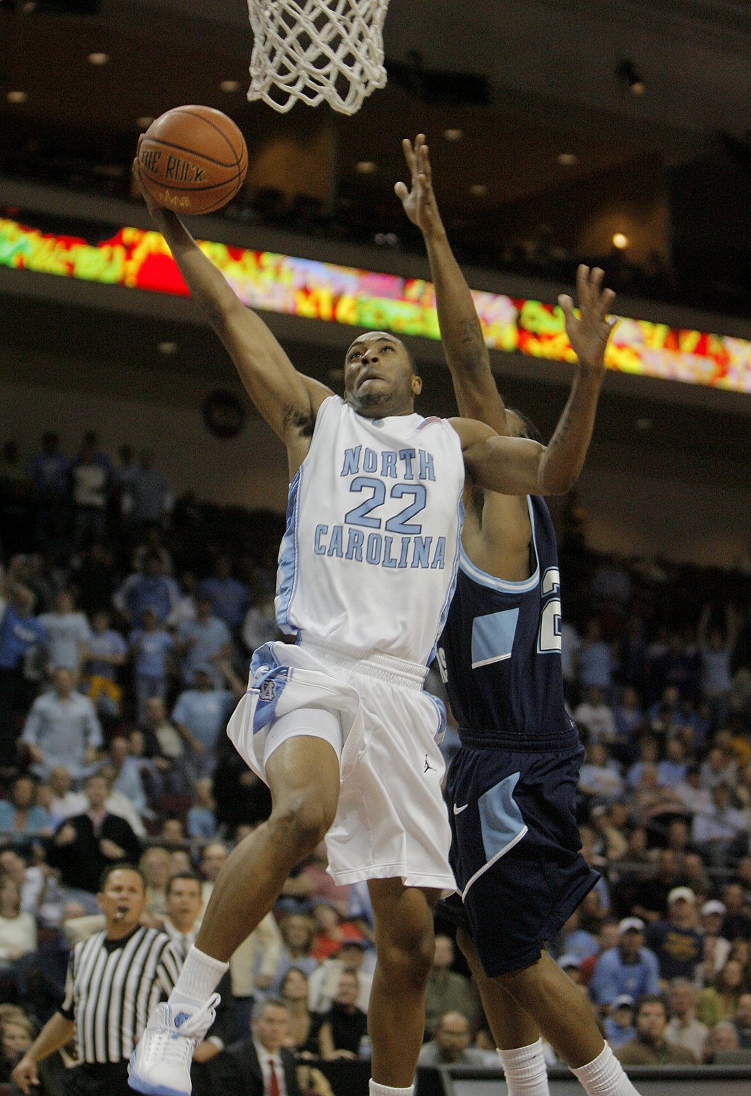 Wayne Ellington was strokin for the Heels in the first half.