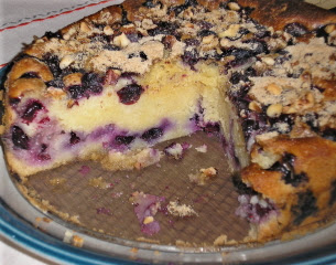 Apple & Spice: Overload of Blueberries = Cake