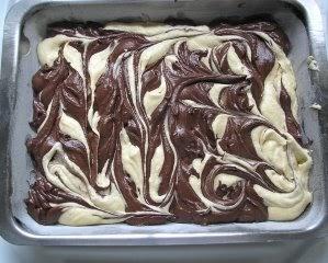 Apple Amp Spice Chocolate Amp Vanilla Marble Tray Bake