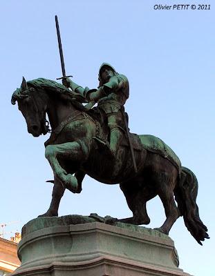 La statue équestre de René II de Lorraine  Bronze de Mathias Schiff - 1883  Nancy - Place Saint-Epvre