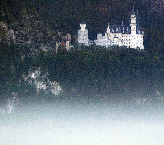 [Neuschwanstein_Castle.jpeg]