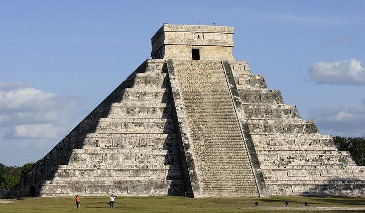 [Pyramid_at_Chichen_Itza.jpeg]