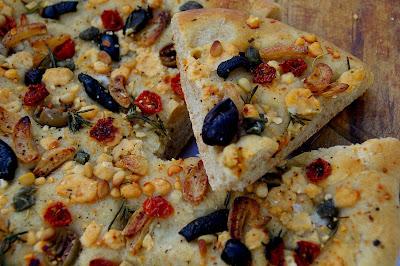 Gourmet Girl: Tender Potato Bread (Daring Bakers Challenge)