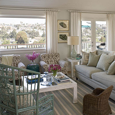 Left coast luxe jill johnson 39 s beach bungalow in coastal - Beach house living room ...