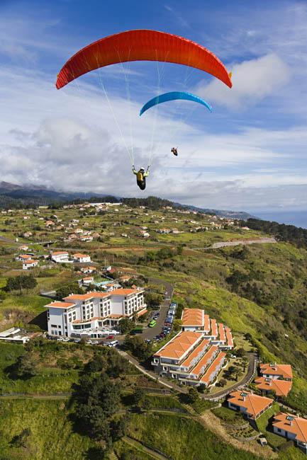 [Paragliding_Madeira3.jpg]