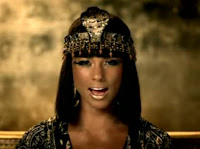 Alicia Keys in Superwoman music video 6