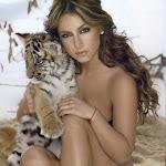 Claudia Lizaldi - Galeria 1 Foto 4