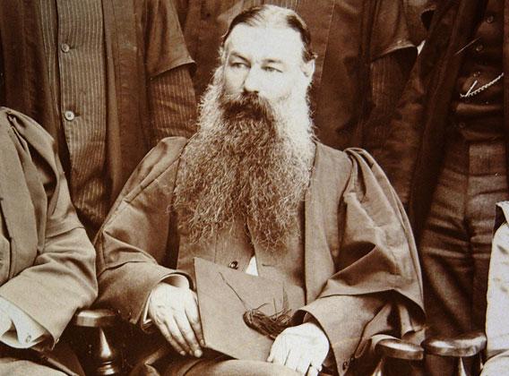 Lloyd Morgan, introdujo lo que se conoce como principio de parsimonia o canon de Lloyd Morgan.