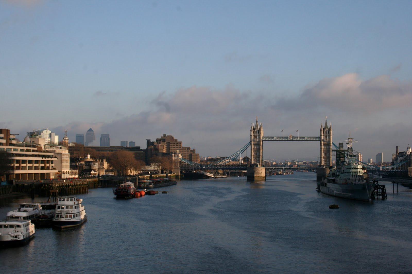 [London+Brdg.jpg]
