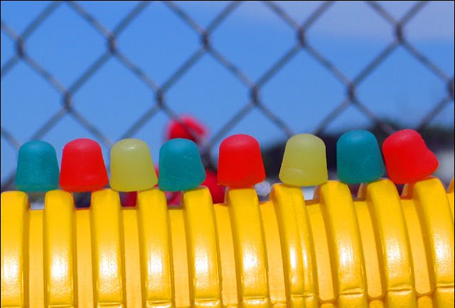De Fence Dots
