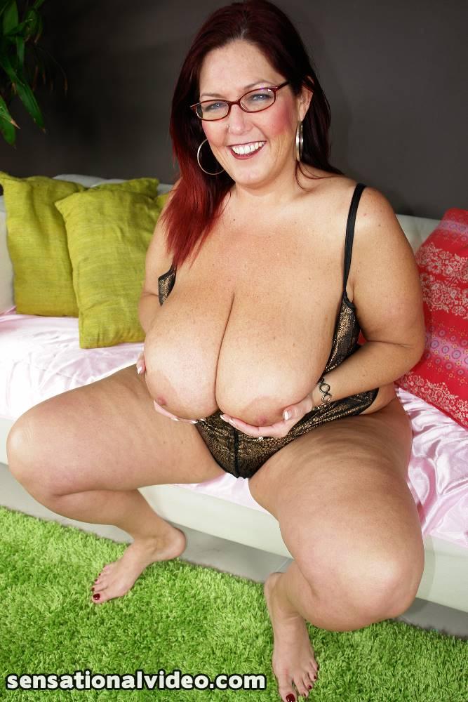 size mature Plus milf lesbians and