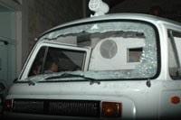 Ambulancias destrozadas por grupos irregulares