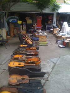 craigslist vintage guitar hunt harmony kay silvertone project guitars in la for 40. Black Bedroom Furniture Sets. Home Design Ideas