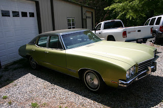 Green 1971 Buick Skylark 4 Door Right Front Quarter Panel View