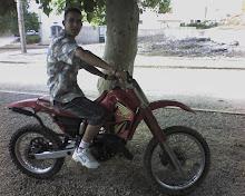samir avec sa moto
