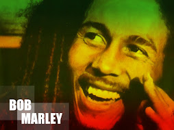 Bob Marley pun tersenyum....