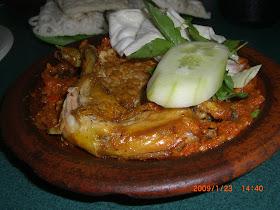 Resep Keluarga Cinta: Ayam Penyet bu Kris Surabaya