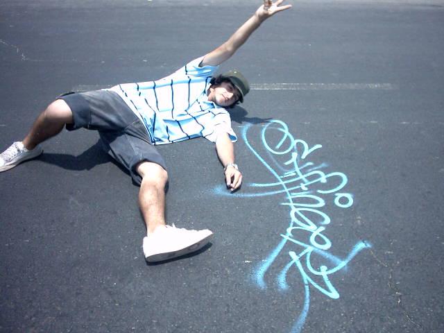 graffiti stiffingerz crew tag izak en iquique, chile izak