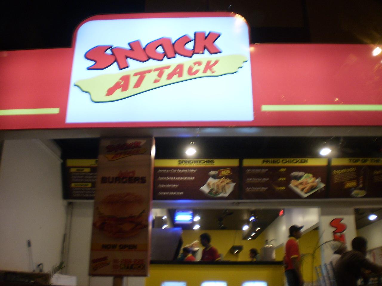 Karachi Eating Out: Snack Attack, Khalid Bin Waleed Road