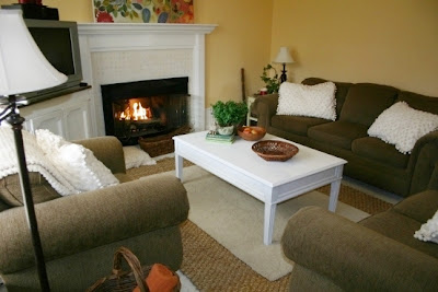 Site Blogspot  Ways Decorateliving Room on Twice Remembered  Cottage Living Room Decorating   Adding Softness