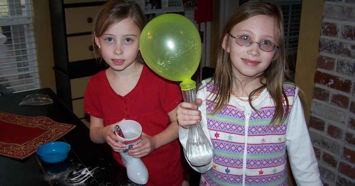 mom of 2 girly girlz what happens when you mix baking soda vinegar. Black Bedroom Furniture Sets. Home Design Ideas