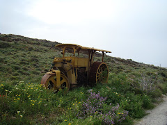 OLD CONSTRUCTION VEHICLE