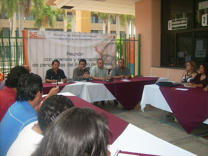 Reunión de trabajo entre el Secretario de Educación y líderes de Organizaciones de Periodistas