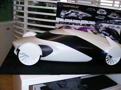 120b98f95d1 A Honda da Alemanha promoveu um concurso de design entre alunos da  Universidade de Pförzheim. A idéia era viajar na maionese e desenhar um  carro para algum ...