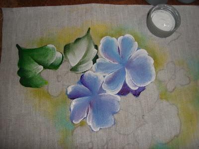 pintura em tecido passo a passo violetas