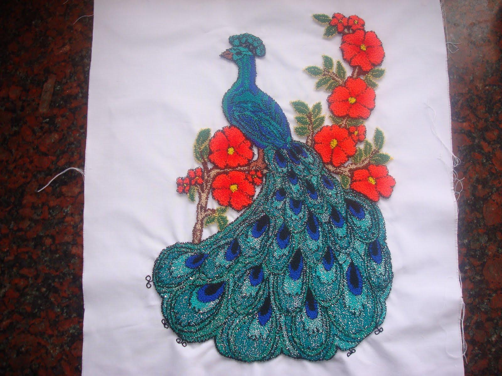 Lagamba pavo real for Como hacer alfombras en bordado chino