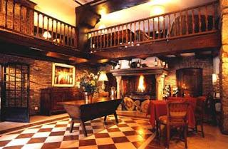 salon mezzanine