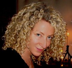 LorraineMassey How to Follow the Curly Girl Method for Curly Hair