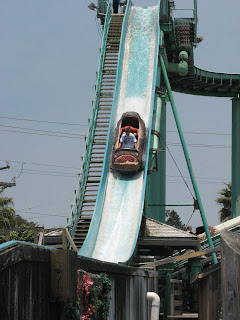 If You Look Closely Ll See Shawn Hiding Behind Derek On The Log Ride