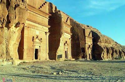 image005 Mengunjungi Peninggalan Arsitektur Kaum Tsamud yang Menakjubkan