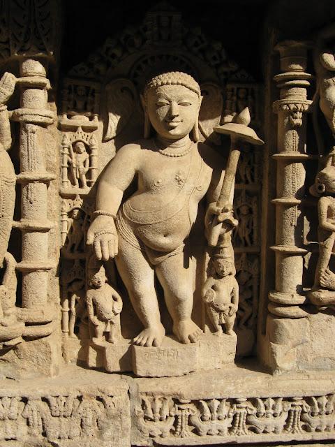 rani ki vav stepwell patan gujarat travel tourism carvings