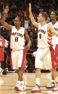 TJ Ford, José Calderón e Chris Bosh / Foto: NBA