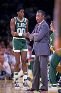 Robert Parish e KC Jones / Foto: NBA