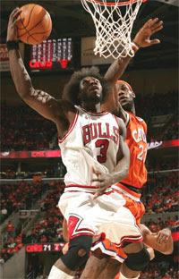 Ben Wallace e LeBron James / Foto: NBA