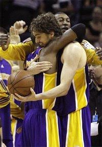 Kobe e Gasol / Foto: NBA