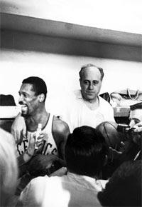 Russell e Auerbach / Foto: NBA