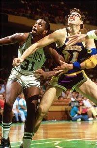 Cedric Maxwell e Kurt Rambis / Foto: NBA