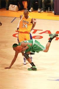 Pierce e Kobe / Foto: NBA