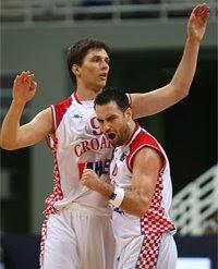 Tomas e Popovic / Foto: Fiba