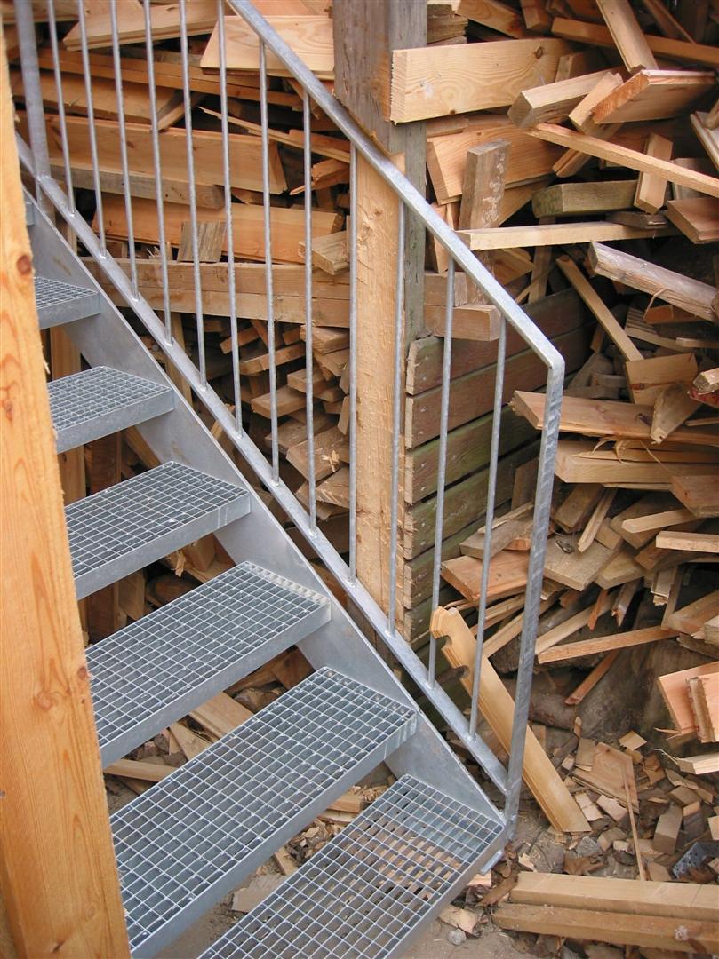 trapper indendørs træ