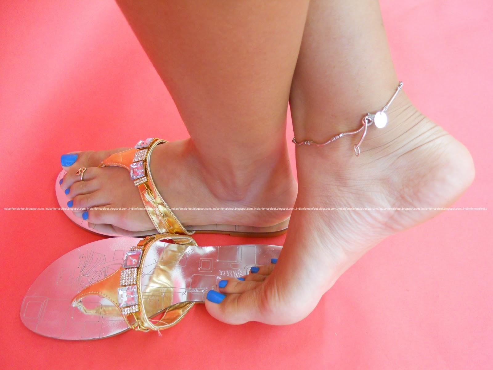 Heels toes female feet