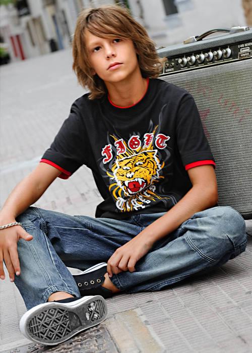 longhairboyz: beautiful long-haired BOY 3