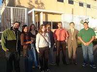 galera de web design em frente ao prédio da intelig curitiba